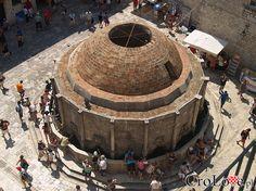 Wielka Studnia Onofria na starym mieście w Dubrowniku  // #Croatia #Chorwacja #Dubrownik #Dubrovnik http://crolove.pl/wakacje-w-dubrowniku-wskazowki/