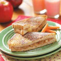 Easy Grilled Apple Pie Sandwiches - perfect for breakfast, dessert or afternoon snack.