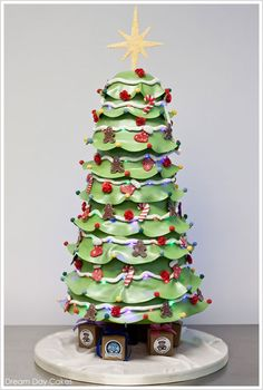 Magical Christmas Tree Cake by Dream Day Cakes  |  TheCakeBlog.com