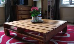 wood pallets as a coffee table. I am so gonna do this!