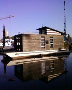 House Boat, http://www.dashausboot.de/