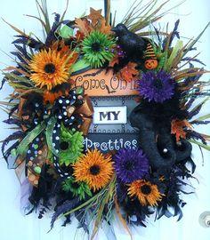 doors, polka dots, christmas holidays, fall, halloween wreaths, floral wreaths, halloween signs, halloween ideas, door wreath