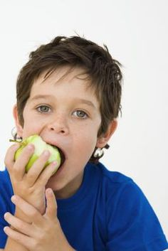 Top 10 healthy and nutritious snacks for kids