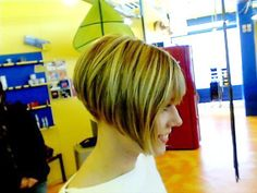 back+view+of+short+aline+angled+bob+haircuts   Gorgeous blonde angled bob, closely cropped at the nape