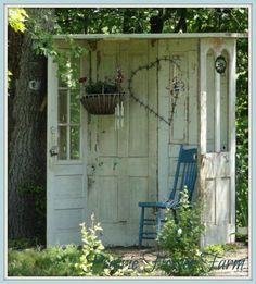 Outdoor 'nook' made from old doors - greengardenblog.com