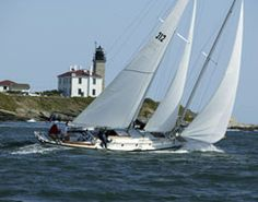 Learn to sail aboard an America's Cup 12 meter yacht or enjoy a relaxing harbor cruise aboard an outfitted motorboat—there are myriad choices when it comes to enjoying the waters off Newport and Bristol County.