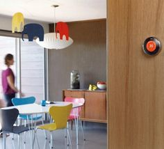 Nest and six other manufacturers including Samsung announced on Tuesday they are launching a new wireless network called Thread that will allow smart gadgets to talk to each other as a greater part of the smart home revolution.