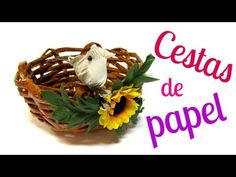 Reciclaje: Cesta rústica (periódico). Rustic basket.
