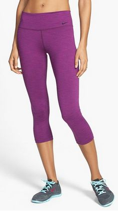 Love these NIke running capris - 33% off http://rstyle.me/n/jqpw5nyg6