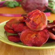 Baked Beet Chips - easy recipe and sooo healthy! #vegan #glutenfree #unprocessed #SundaySupper