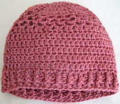 Free Pink Hat-pattern includes ribbed edge.