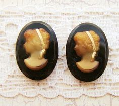Neolassical Vintage Glass 18x13mm Cameo by alyssabethsvintage, $4.10