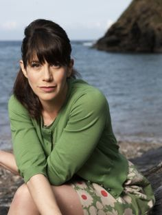 """Caroline Catz, Doc Martin's love interest and fellow """"sparring partner"""" in """"Doc Martin""""..she is awesome!"""