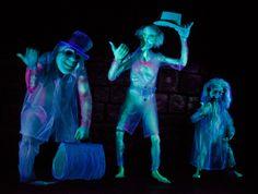 #Disneyland Haunted Mansion hitchhiking ghosts.