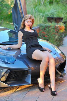 Hot Girl and Lamborghini Aventador