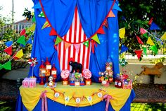 CIRCUS Party - Carnival - The GREATEST SHOW On Earth Invitation- Boy or Girl Birthday - Little Girl - Krown Kreations & Celebrations. $10.00, via Etsy.