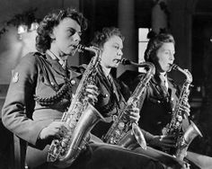 ATS dance band, 1944 Art Print by Mirrorpix - WorldGallery.co.uk