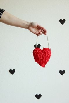 DIY Fringe 3-D Heart
