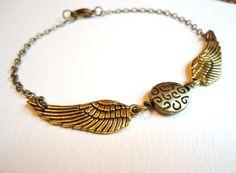 Harry Potter Golden Snitch Bracelet - Steampunk Keepsake harri potter, snitch bracelet, christmas presents, bracelets, golden snitch, retro art, harry potter, necklaces, steampunk