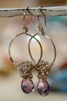 Learn to create stunning wire-wrapped jewelry