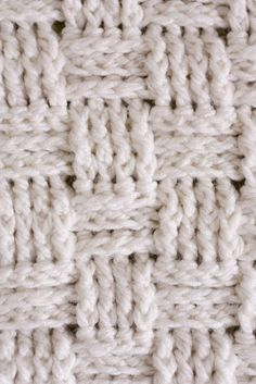 Nesting: Basket Weave Crochet Baby Blanket - delia creates #crochet #freepattern #tutorial #blanket #basketweave