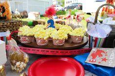 Popcorn cupcakes at a Vintage Circus Party