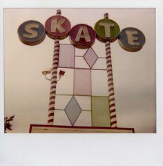 Skate roller skate, vintage signs, children, roller derbi, childhood, roller derby, roller skating rinks, old signs, retro signs