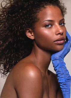 Beautiful Black Women Of Color http://www.artistdds.com/contact/