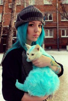 Everyone needs a green cat, lol