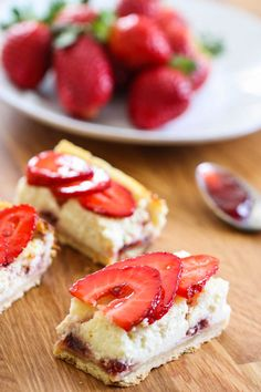 Strawberry Greek Yogurt Cheesecake