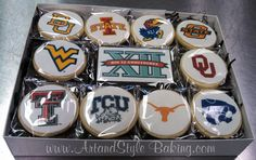 Show Some School Spirit • Dessert trays for high school or college homecoming games • Care packages for kids off to college for the first time • Gift boxes for football addicted clients or friends Fall is the perfect time to show your school spirit. Art & Style Baking will customize delicious cookies with any school logo and will even ship a specially-decorated gift box to any destination. We can't think of a better way to show your school spirit!
