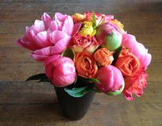 colorful flowers, bouquet, peoni arrang, seasons, peoni season, garden, bright colors, pink peonies