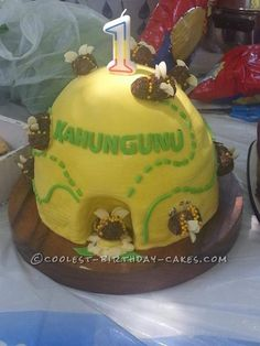 Beautiful Beehive Cake: This beehive cake is the first cake I made for someone else. My cousin initially asked my sister to make a cake for his son's 1st birthday, she... Coolest Birthday Cake Ideas