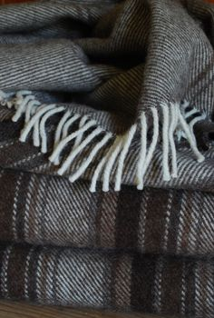 BEAUTIFUL  Rare Breed Woven Welsh Wool Blanket