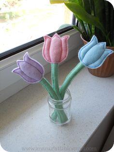 i ManuFatti: Terzo tutorial (oramai ci ho preso gusto): tulipani di feltro