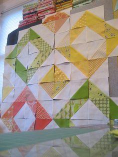color quilt, color schemes, quilt patterns, triangle quilts, hst quilts