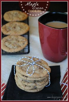 Maple Bacon Cookies: chewy delicious maple cookies with bacon pieces. Don't hate till you try it