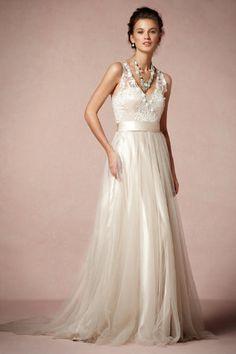 wedding dressses, blush weddings, tulle skirts, wedding photos, the bride, appliques, gown, romantic weddings, back details