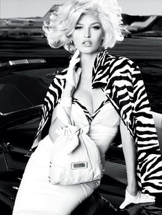 Guess_By_Marciano_SS_2011_Ad_Campaign_18.jpg 1500×2000 pixels