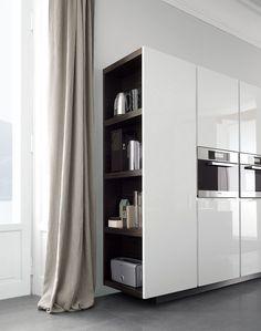 .Varena Poliform kitchen. I like the colour contrast between exterior and interior.