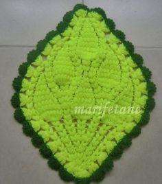 Ananas lif modeli ve yapılışı:  http://www.marifetane.com/2014/04/ananas-lif-modeli-ve-yapls.html
