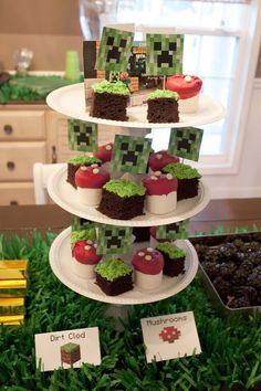 DIY Minecraft party theme