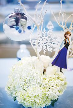 Beautiful Frozen centerpiece ideas