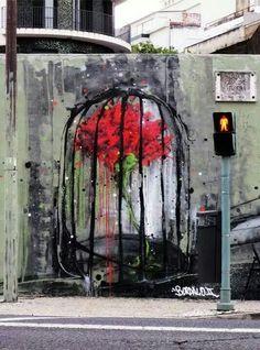 40 ans après ! #Portugal #25A, les #oeillets et le nouveau obscurantisme ! (art: Bordalo II)