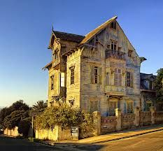 Old house in Valparaiso, Chile