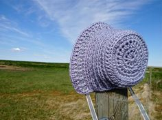 Little Crocus Bonnet: free crochet pattern (requires registration to the craftsy site).... so cute!!