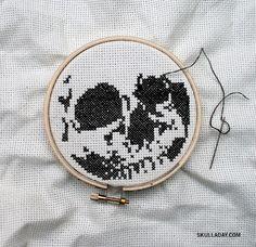skulls, sew, craft, pattern, crosses, crossstitch skull, cross stitches, halloween, embroideri