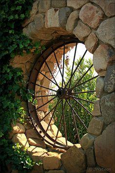 use of old wagon wheel