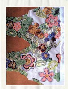 Piecing together motifs