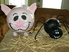 Ideas for painting pumpkins-Charlotte's Web
